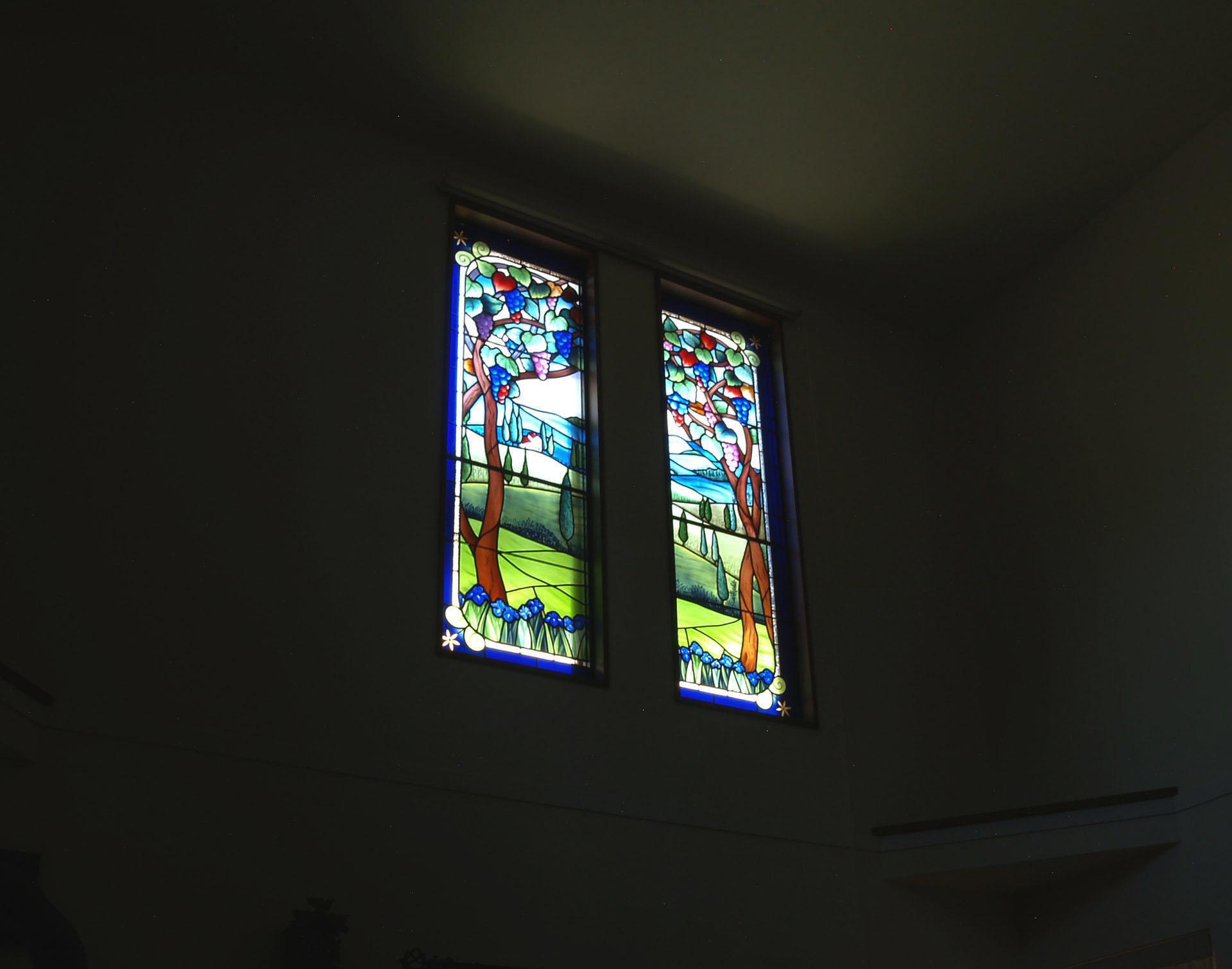 ご夫婦で何度も訪れられたトスカーナ地方の風景が題材です